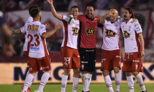 Huracán-va-por-otro-paso-en-la-Sudamericana
