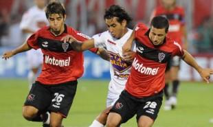 LUCHA-Newells-Huracan-Rosario-DyN_CLAIMA20110305_0241_20