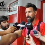 """Eduardo Domínguez: """"Necesitamos un delantero y un cinco porque se nos fue Vismara y, quizás, se nos va Wanchope."""""""