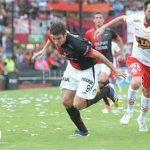 Huracán vs. Colón. Torneos de liga, copas y ascenso