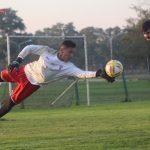 Fútbol informal en espacios reducidos en el entrenamiento